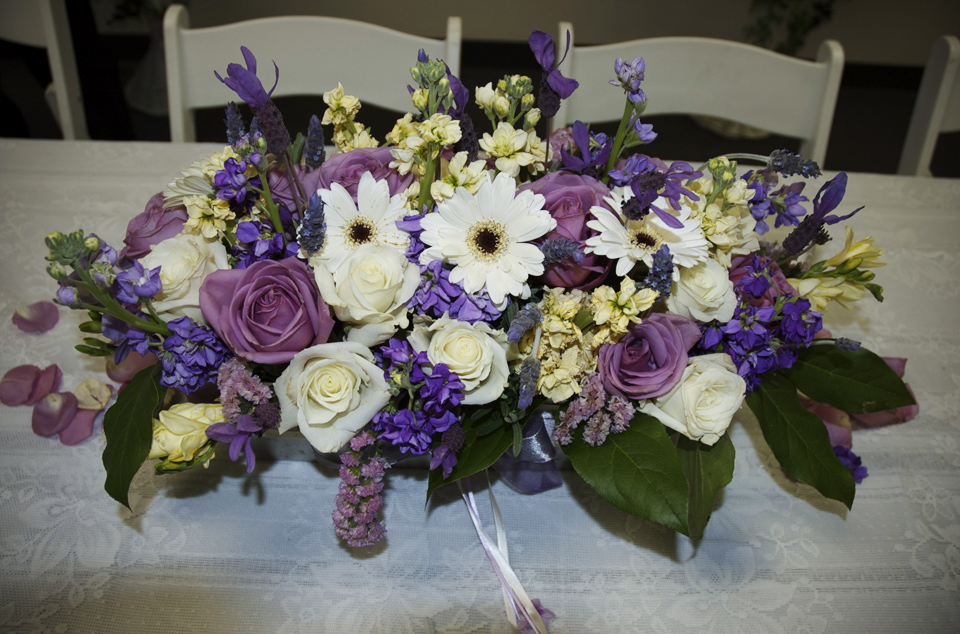 Sacramento spring wedding lilac purple white table
